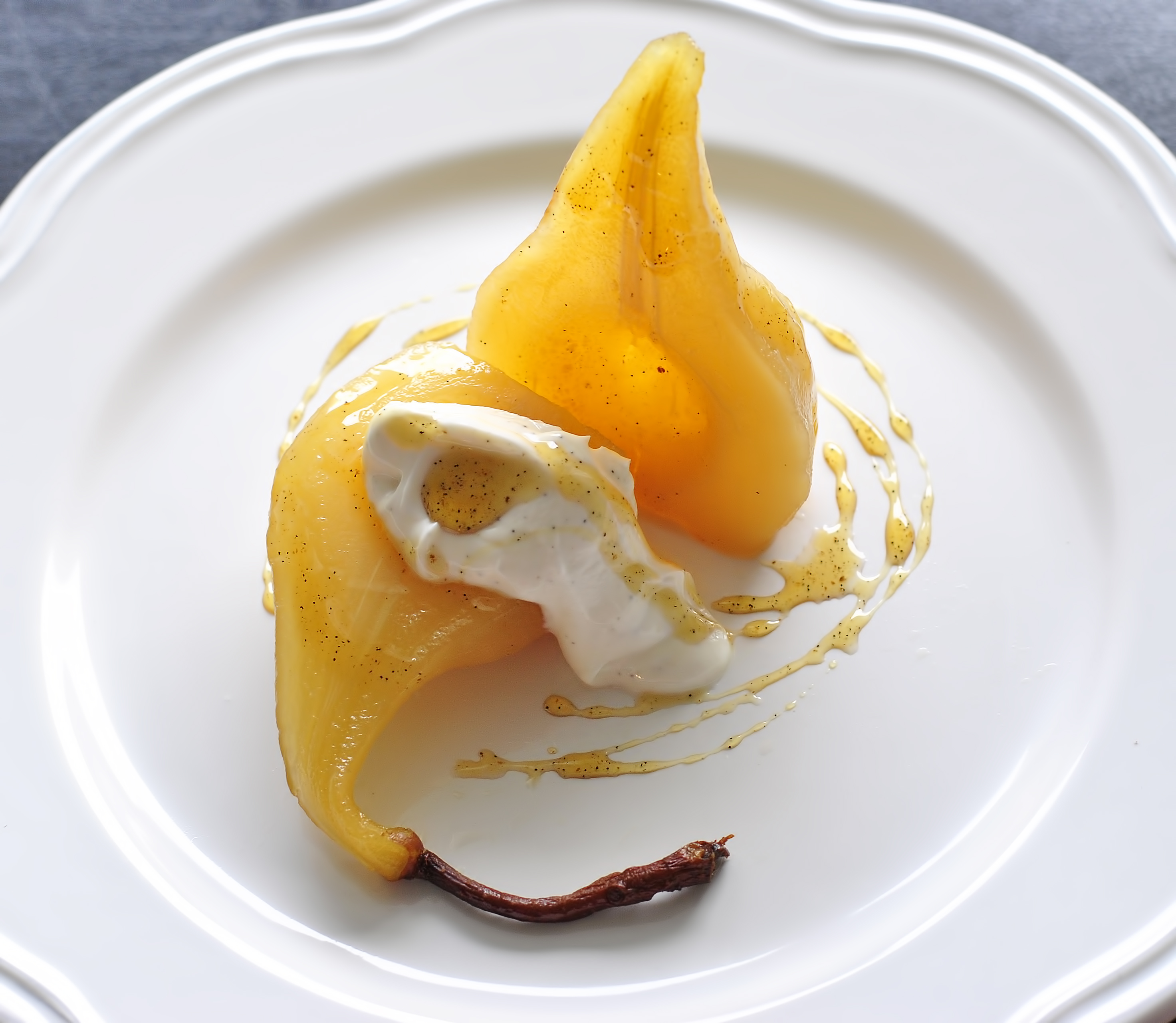 White Wine Vanilla Poached Pears + Cardamom Spiced Greek Yogurt | no ...